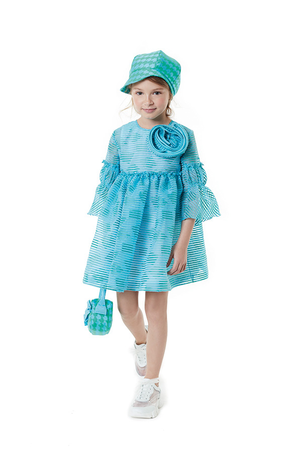 VACP013 TS0160 GRN - HAT<br/>  VFAB113 TS0155 LTB - DRESS<br/>  VABO005 TS0160 V3 LTB - HAT